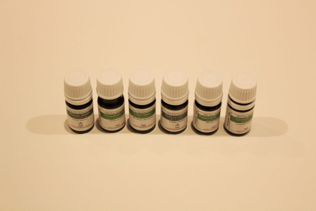 エッセンシャルオイル6種類の集合写真